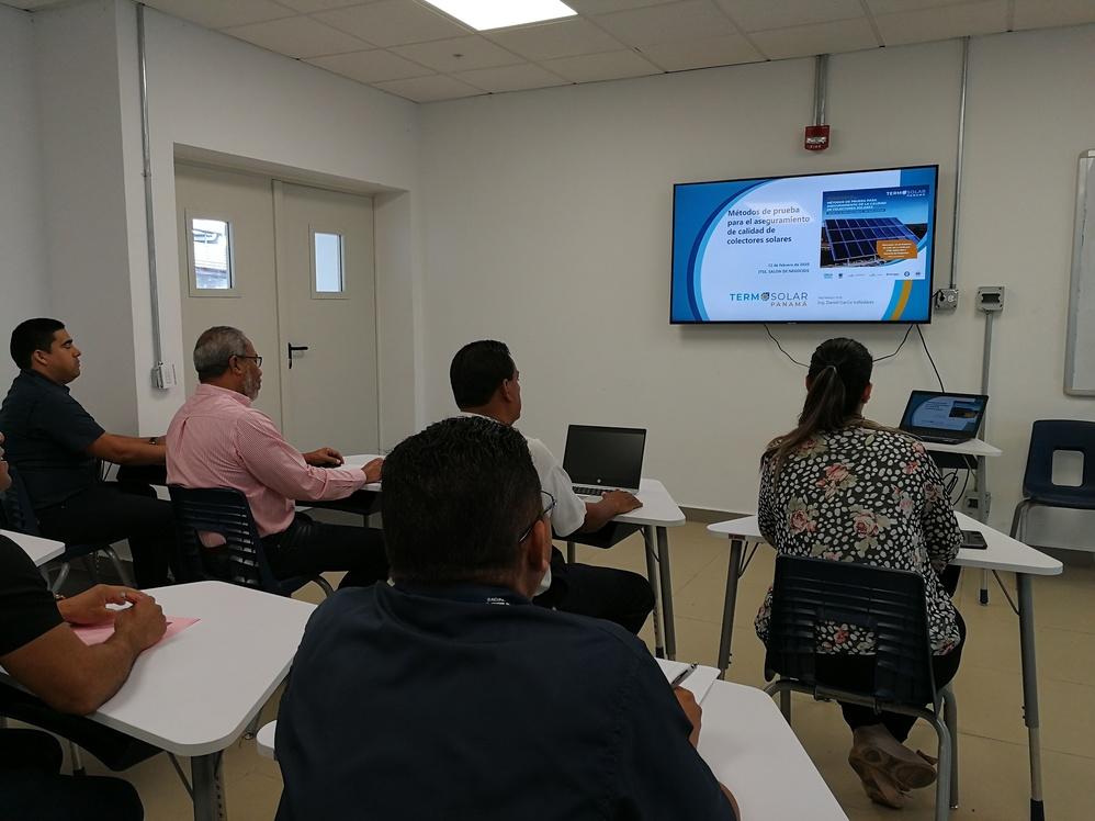 Imagen de portada El ITSE se une a la iniciativa de ONU Medio Ambiente para desarrollar el mercado de calentadores solares de agua en Panamá