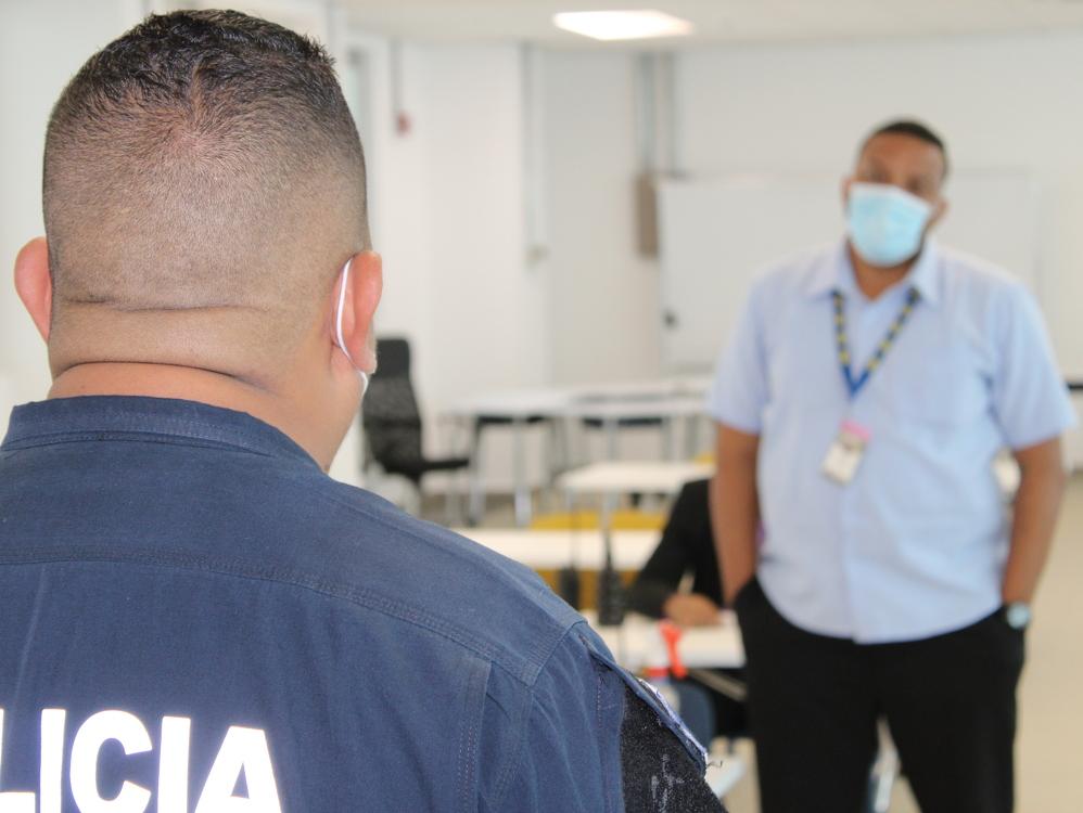 Imagen Cuerpo de seguridad del ITSE es capacitado por la Policía Nacional