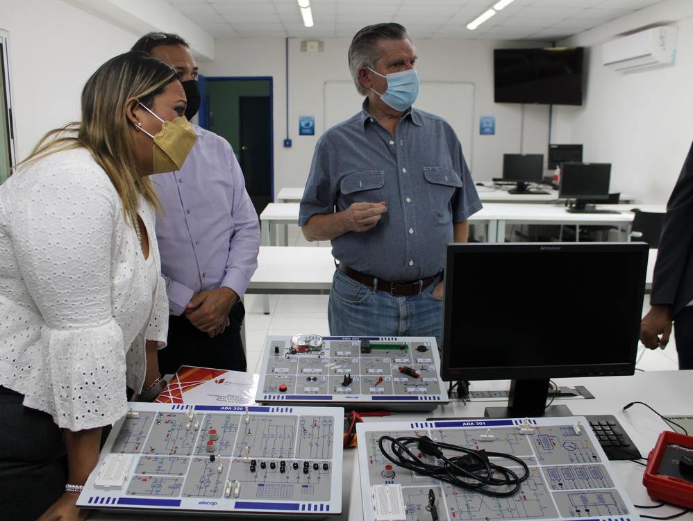 Imagen de portada ITSE busca alianzas para impulsar la educación superior técnica especializada