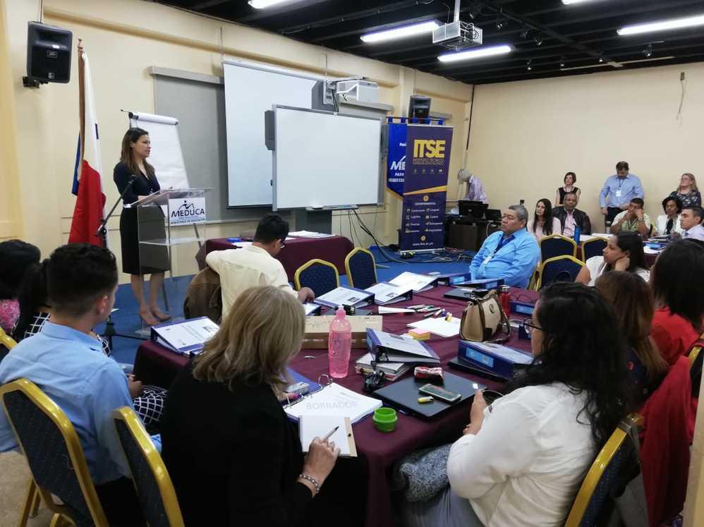 Imagen de portada Capacitación a Instructores del ITSE por parte del equipo de People First y King's Training Panamá