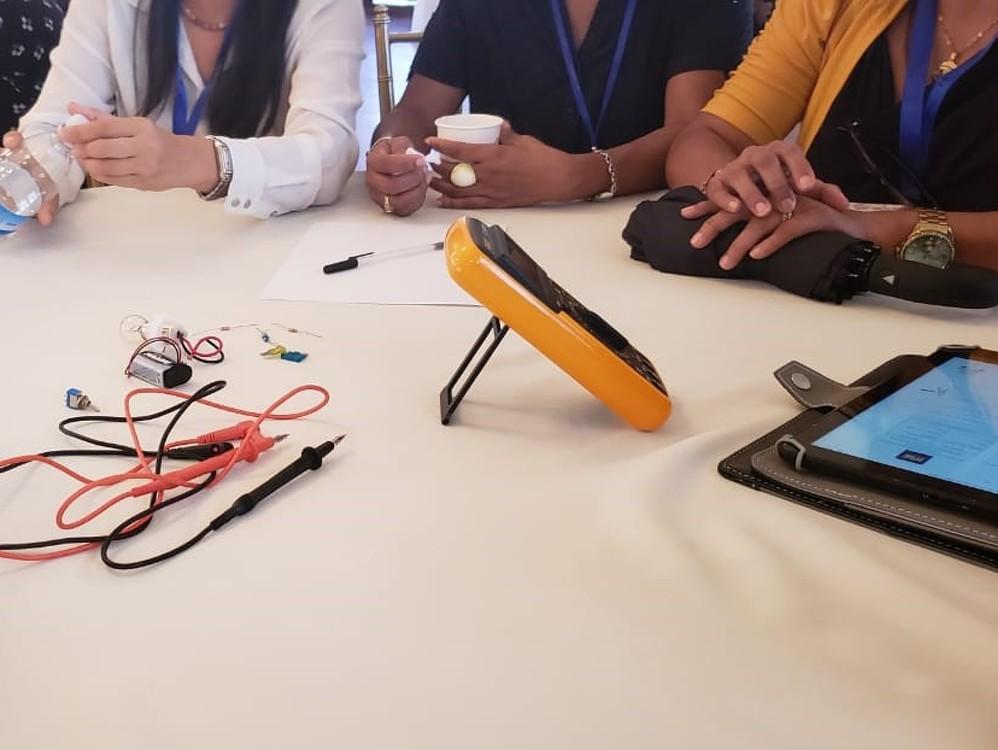 Imagen de portada Instructores del ITSE realizan clases simuladas